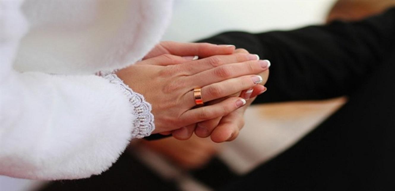 في يوم الزفاف… اكتشفت أن عروس ابنها هي أخته المفقودة! (صورة)