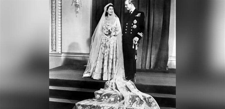 """معلومات تكشف للمرة الأولى.. الأمير فيليب أضحك الملكة بـ""""كلمات غير لائقة"""""""