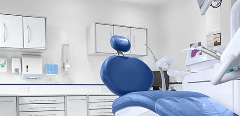 تفلّت الدولار يعصف بقطاع طبّ الأسنان.. هكذا تُحدد التسعيرة