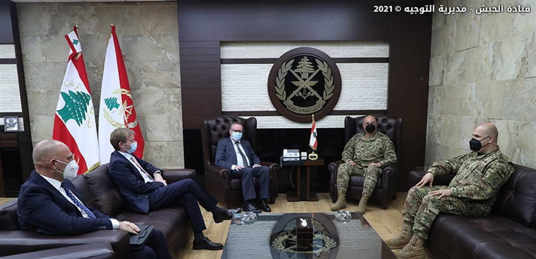 قائد الجيش شكر الملك محمد السادس على الهبة الملكية للمؤسسة العسكرية