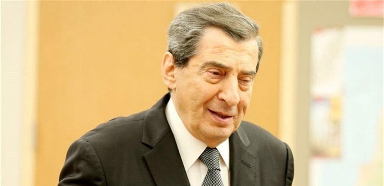 """هل طلب """"تكتل لبنان القوي"""" من الفرزلي تقديم استقالته؟"""
