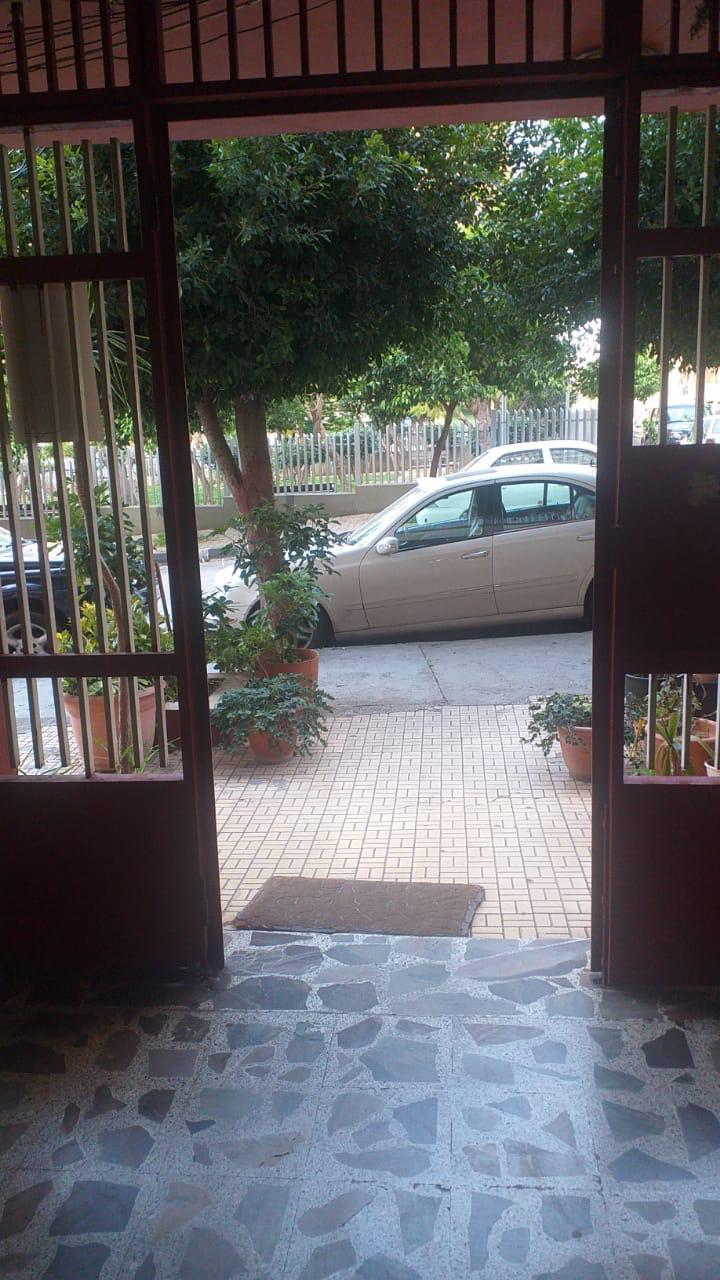 سرقة بوابة حديدية لمدخل مبنى في ابي سمراء (صورة)