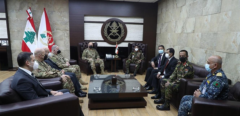 قائد الجيش التقى رئيس أركان الدفاع البنغالي