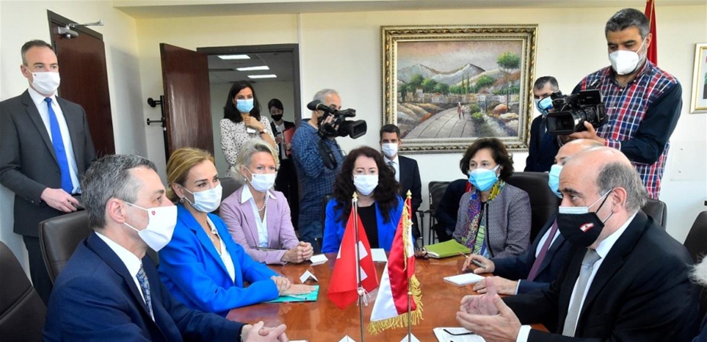 وزير الخارجية التقى نظيره السويسري: أكد وقوف بلاده إلى جانب لبنان للحفاظ على صيغته المتعددة