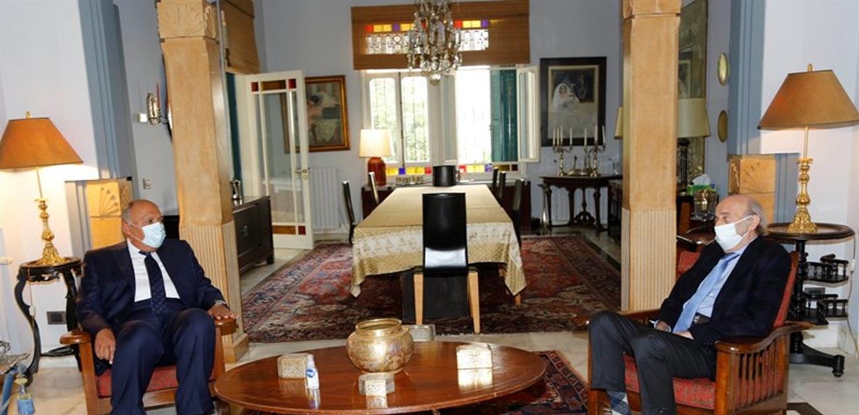 جنبلاط عرض المستجدات لبنانيا وعربيا مع وزير الخارجية المصري