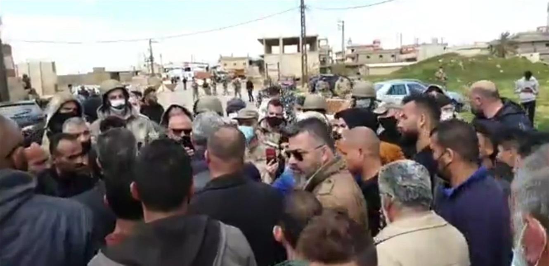 اعتصام رمزي عند العريضة اعتراضاً على عمليات التهريب