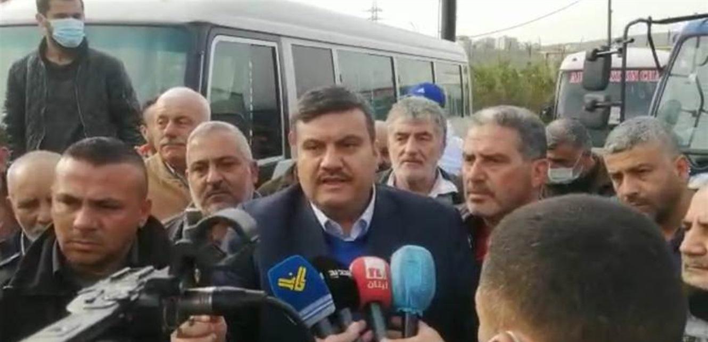 اعتصام للسائقين العموميين في طرابلس وتلويح بالتصعيد: غدا يوم آخر