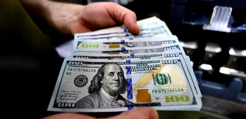 ارتفاع 'طفيف' للدولار.. كم بلغ سعره مساء اليوم؟