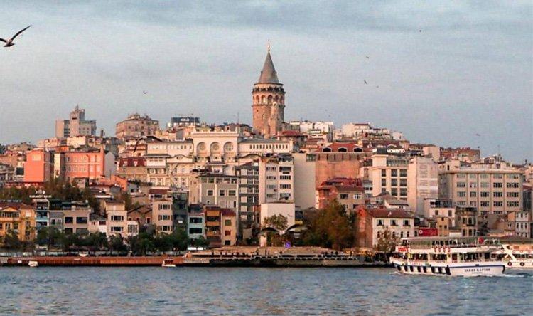 اعتقال عشرة أميرالات متقاعدين في تركيا
