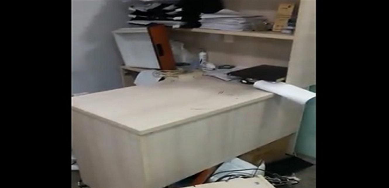 تعرض مكاتب مستشفى حمود في صيدا للاعتداء والتكسير! (فيديو)